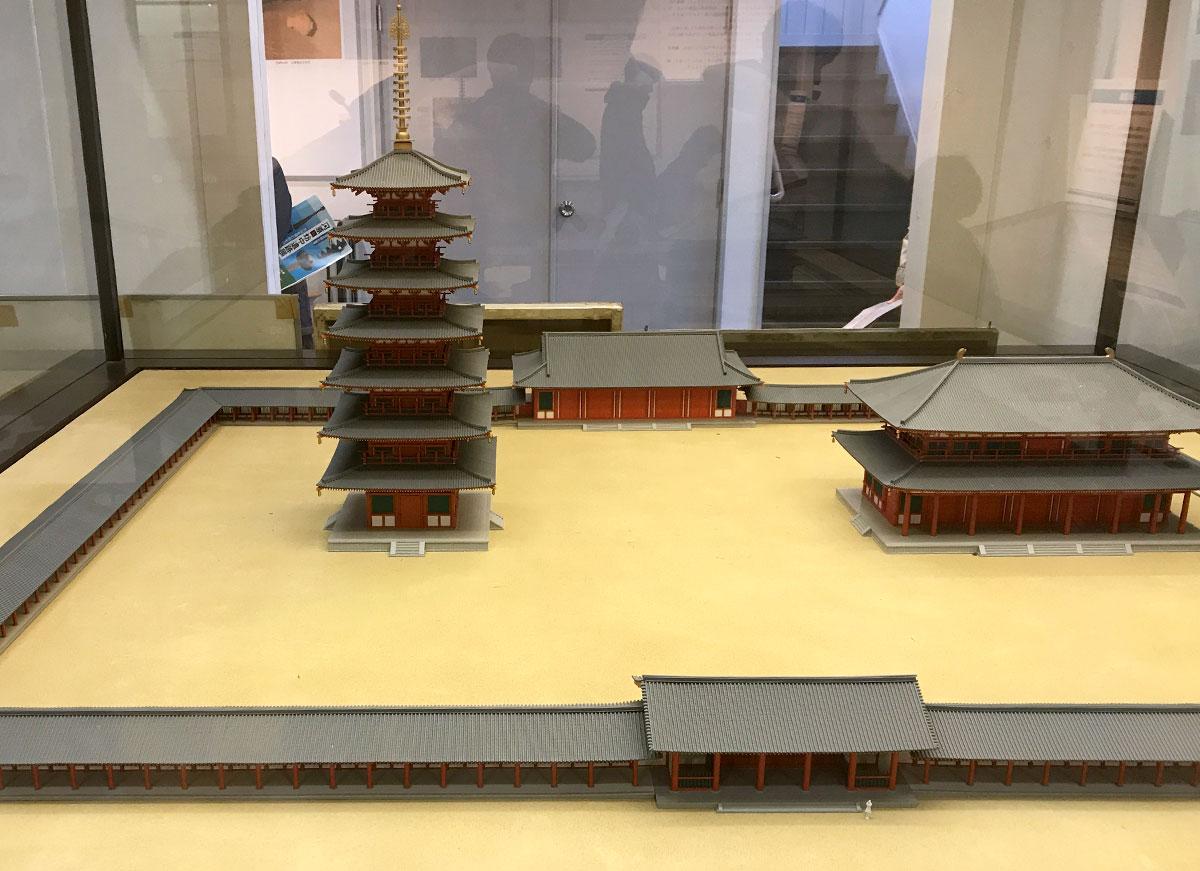 相模国分寺跡に隣接する郷土資料館「海老名市温故館」にある模型